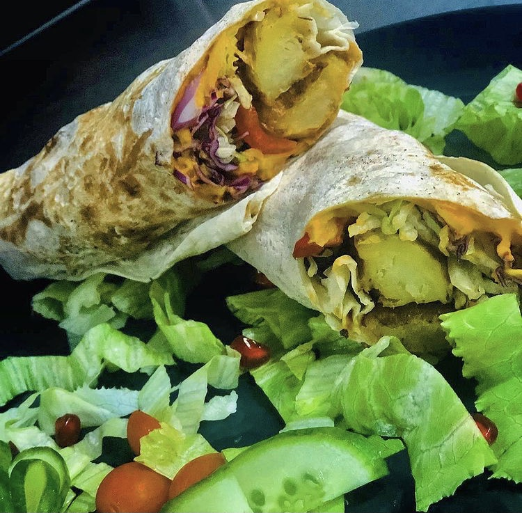 Vegetable & hummus wrap