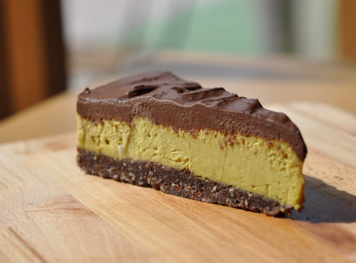 Chocolate mango cake