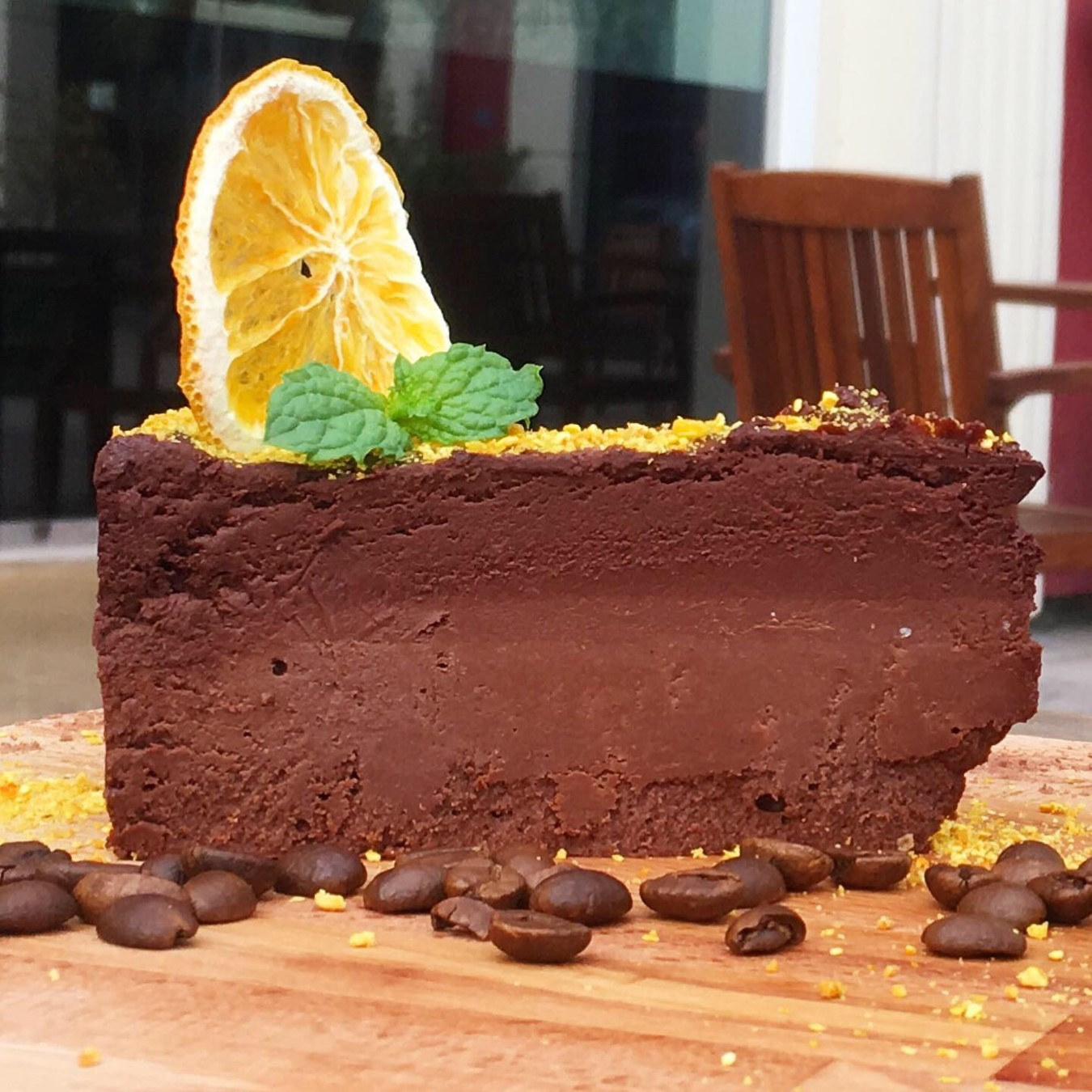 Keto chocolate cake (3.4g net carbs per slice)